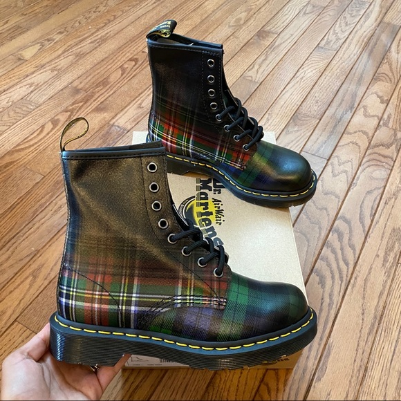 New Women's Size 5 Dr. Martens 1460 Plaid Boots